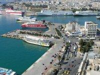 Pire'de, feribot yolcuları otellerde karantinaya alındı