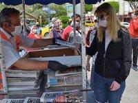 Alanya'da vatandaşlara 3 bin adet maske dağıtıldı