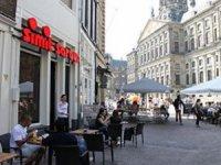 Amsterdam Mahkemesi'nden ünlü simitçiye korona şoku