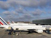 Fransa, havaalanlarına 300 milyon euro destek verdi