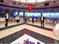 Sosyal mesafeli düğün salonları ve internet kafeler hizmete açıldı