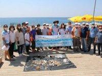 Mavi Bayraklı Halk Plajı'nda çevre temizliği yapıldı