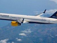 Havayolu şirketi uçuş yapmayan pilotları hostes yapıyor