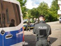 Almanya'da 'Koronavirüs' partisi: 39 gözaltı