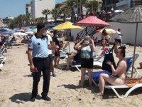 Kuşadası'nda plajda koronavirüs denetimi