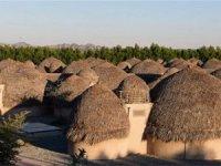 İran'ın hurma yapraklarından yapılan oteli
