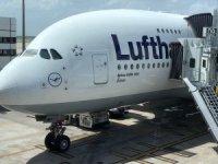 Lufthansa küçülüyor, büyük uçakları emekli ediyor
