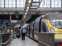 İngiliz turistler karantinadan kaçınmak için Fransa'dan geri döndü