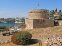 Hıdırlık Kulesi arkeolojik kazı sonrası turizme kazandırılacak