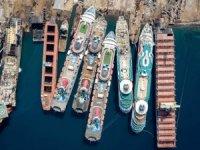 Gemiler,  pandemide  son yolcuklarında parçalanıyor