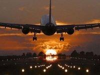 Havayolları, zorunlu COVID-19 aşısı uygulamasına geçecek mi?