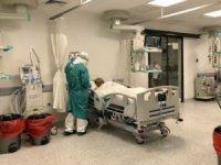 Hastanelerde hasta ve servis ziyaretleri yasaklandı