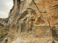 Roma dönemine ait 2 bin yıllık Herkül'ü delik deşik ettiler