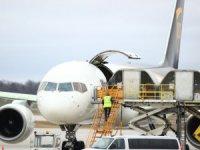 Pfizer- Biontech aşısını taşımak için Boeing'te kuru buz sistemi