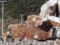 Kaya düşen ve kapanan Gazipaşa- Anamur Yolu trafiğe açıldı