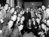 Atatürk, gençliğin yetiştirilmesini öğretmenlere vasiyet etti