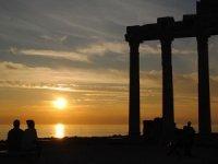 Side Apollon Tapınağı 2200 yıldır gün batımısihriyle büyülüyor