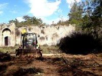 Tarihi Kargıhan'da temizlik çalışması başladı
