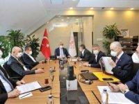 Kulüpler Birliği korsan yayınları Bakanı Ersoy ile görüştü