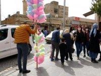 Mavi kent' Mardin'deki turizm hareketi esnafın yüzünü güldürdü