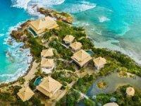 Milyarder Richard Branson, yeni adasında turizm sezonunu açıyor