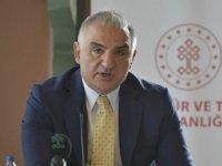 Bakan Ersoy'dan Van Gölü fotoğrafına destek çağrısı