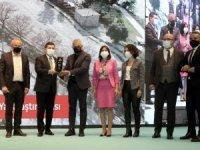 Manavgat Belediyesi'nin Side Portikli Yol Projesi ödül aldı