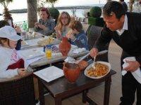 Bahar: 15 Mayıs'a kadar turizm çalışanları aşılanmalı