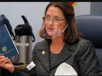Havayolundan maske kurallarını ihlal eden senatöre yasak