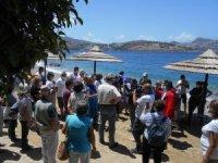Bodrum Küçükbük'te BESA'nın dolgu plajına tepki eylemi