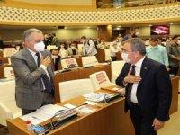 Başkan Böcek: 13 bin belediye işçisinden sadece biri grev yapıyor?