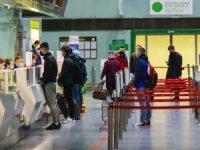Almanya şartlı açtı: BioNTech olana vize var, Çin aşısı olana yok