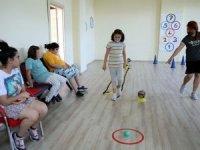 Engelliler yaz kursları ile sosyal yaşama adapte ediliyor