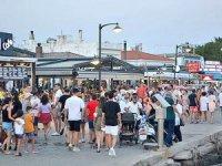 Cunda Adası'nın girişi, kalabalık nedeniyle 4 saat kapatıldı