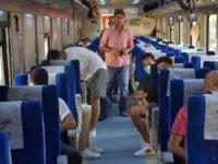 Otobüs bilet fiyatlarını pahalı bulan vatandaşlar trene yöneldi
