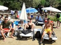 Kuşadası Milli Park'ındaki şezlong ve şemsiye fiyatları tepki çekti