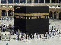 Arabistan tam aşılanmış yabancılara umre ziyaretlerini açtı