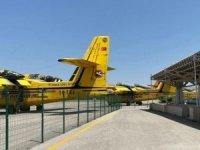CHP'li vekiller tartışılan söndürme uçaklarını görüntüledi