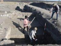 Dünya kenti Ani'nin 4 noktasında kazı yapılıyor