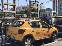 Polisi turist sandı: Taksim'den Şişli'ye 500 lira istedi