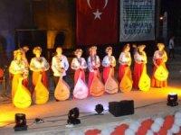 Türk, Ukraynalı ve Özbek gruplarıyla Marmaris'te müzikli gece