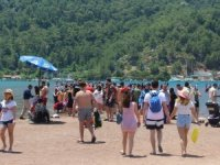 Afet bölgesi Muğla turizmine yerli turistten destek geldi.