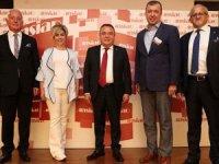 Başkan Böcek: Turizme siyaset üstü yaklaşımla bakıyoruz