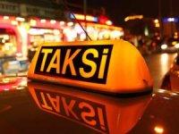 Yarım saatlik yol için turiste İstanbul'u dolaştırdı
