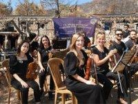 """Milas Belediyesi Kent Orkestrası """"Doğanın Uyanışı"""" için çaldı"""