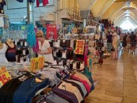 Ürün üzerinde fiyat etiketi alışverişte turistlere güvence oluyor