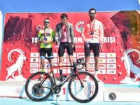 Bisikletçiler, Toros Keçisi gibi tırmanmak için pedal çevirdiler