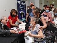 Antalya Kitap Fuarı'nda yazarlara büyük ilgi oldu