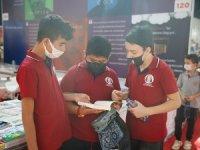 Antalya Kitap Fuarı'nda öğrencilerin kitaba olan ilgisi sevindirdi