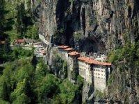 Sümela Manastırı 4 yıl sonra ziyaretçilerle buluşuyor